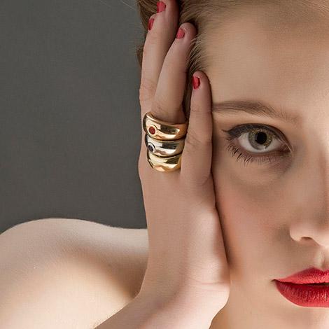 model-ring-goud