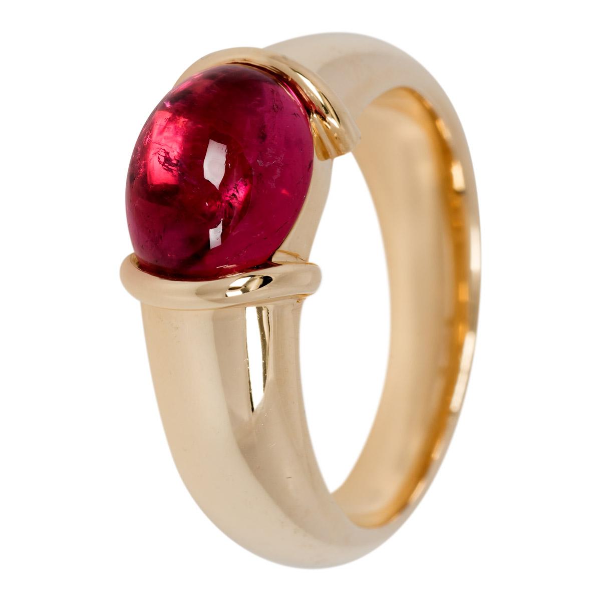 Geel gouden ring met roze steen